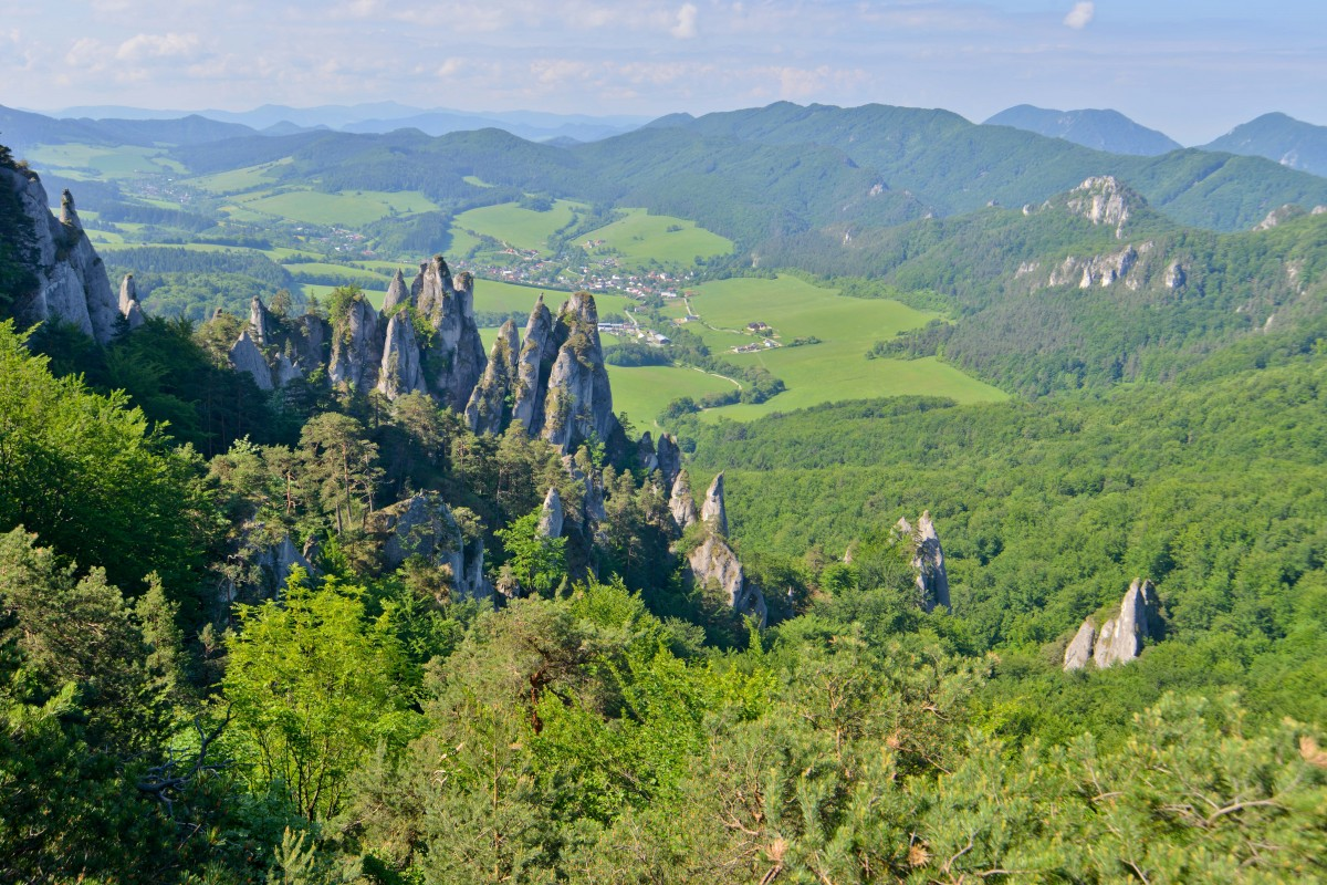 Zdjęcia: Góry Strażowskie, Karpaty Zachodnie, Sulov i Sulovskie Skały, SłOWACJA