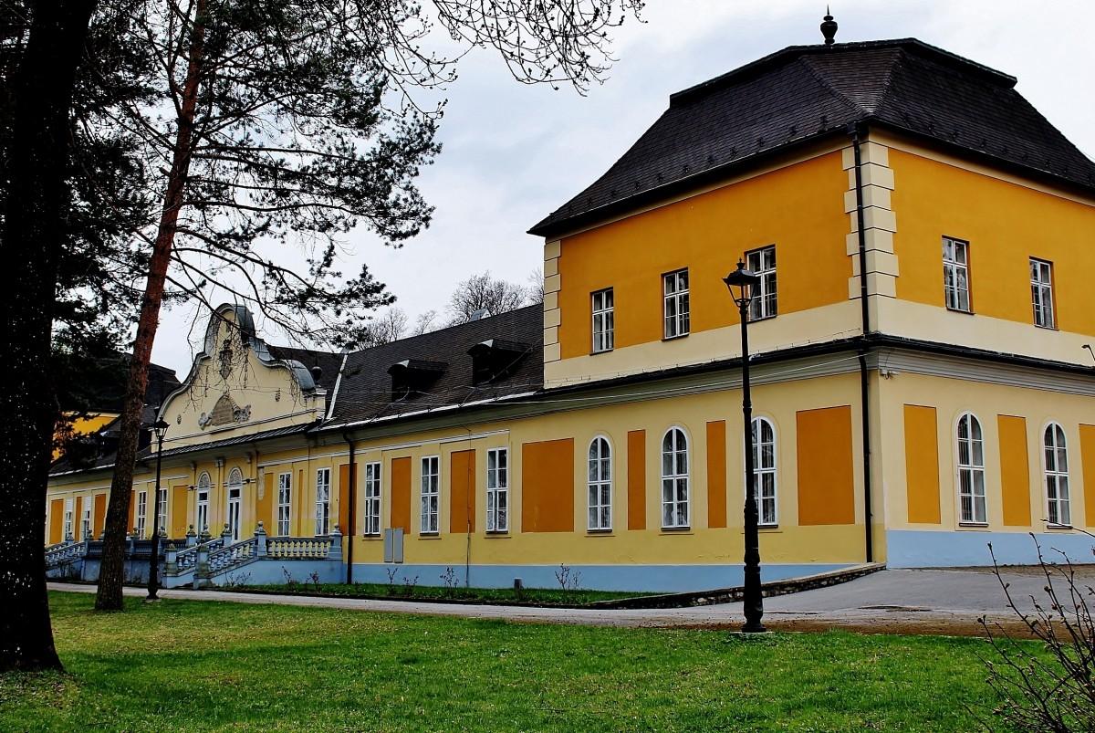 Zdjęcia: Hodkovce, Kraj koszycki, Barokowo-klasycystyczny dwór z XVII wieku, SłOWACJA
