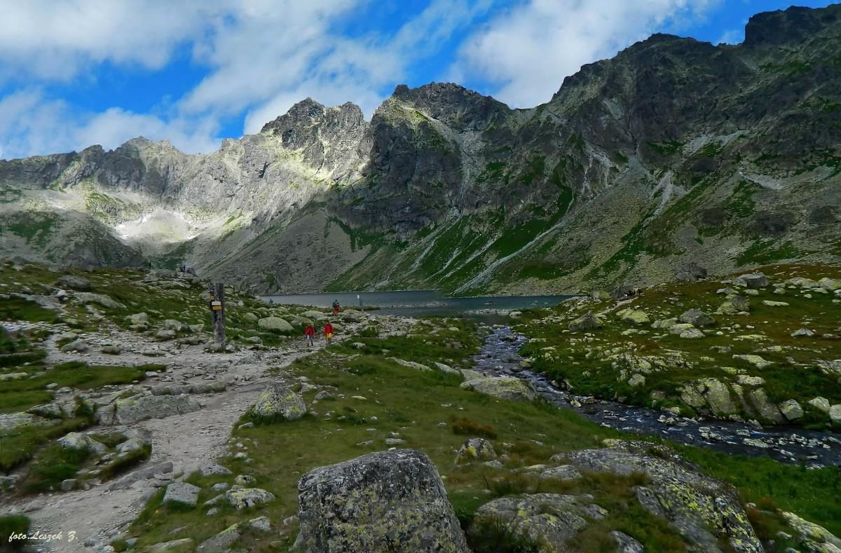 Zdjęcia:  Dolinie Hińczowej, stanowiącej górną część Doliny Mięguszowieckiej w słowackiej części Ta, Wysokie Tatry., Nad Hinczowym Stawem., SłOWACJA
