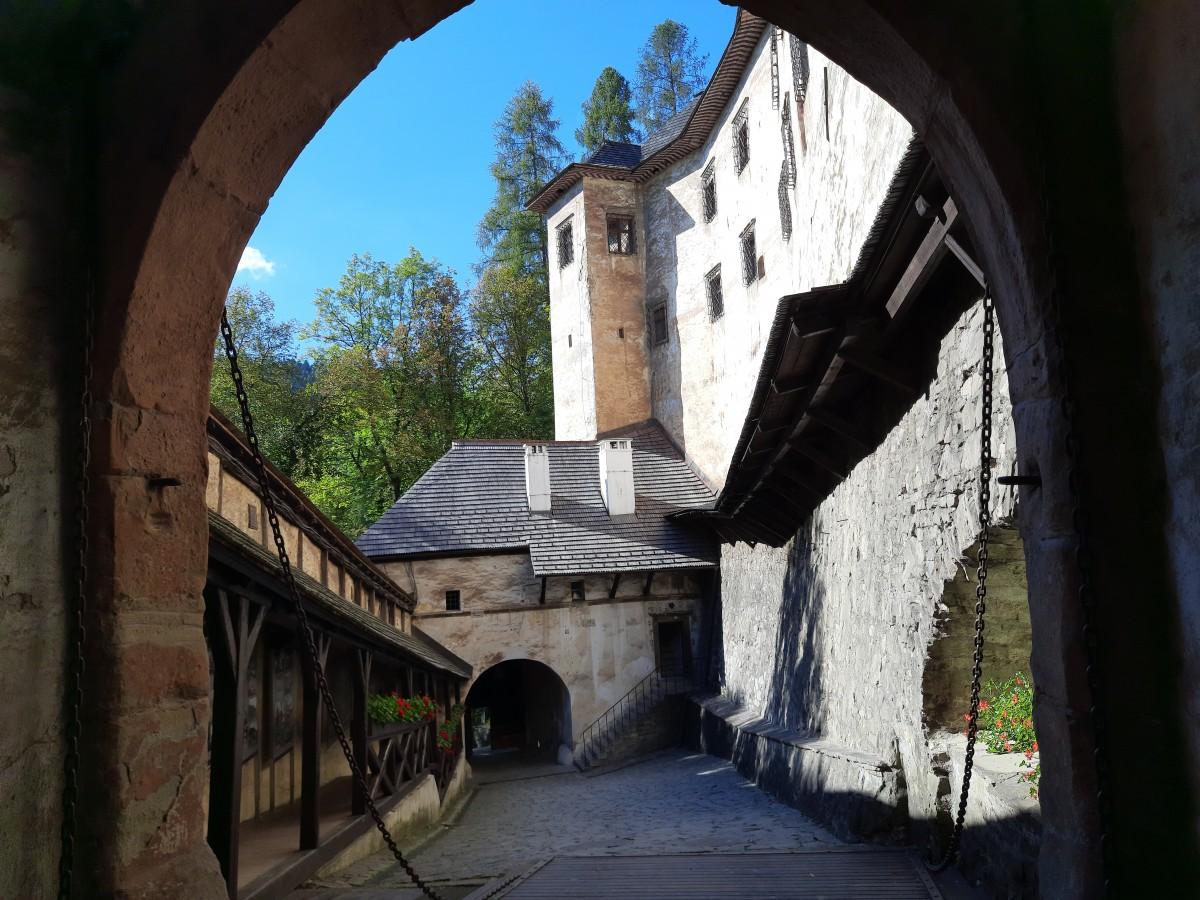 Zdjęcia: Orawski zamek, Orawa, Brama, SłOWACJA