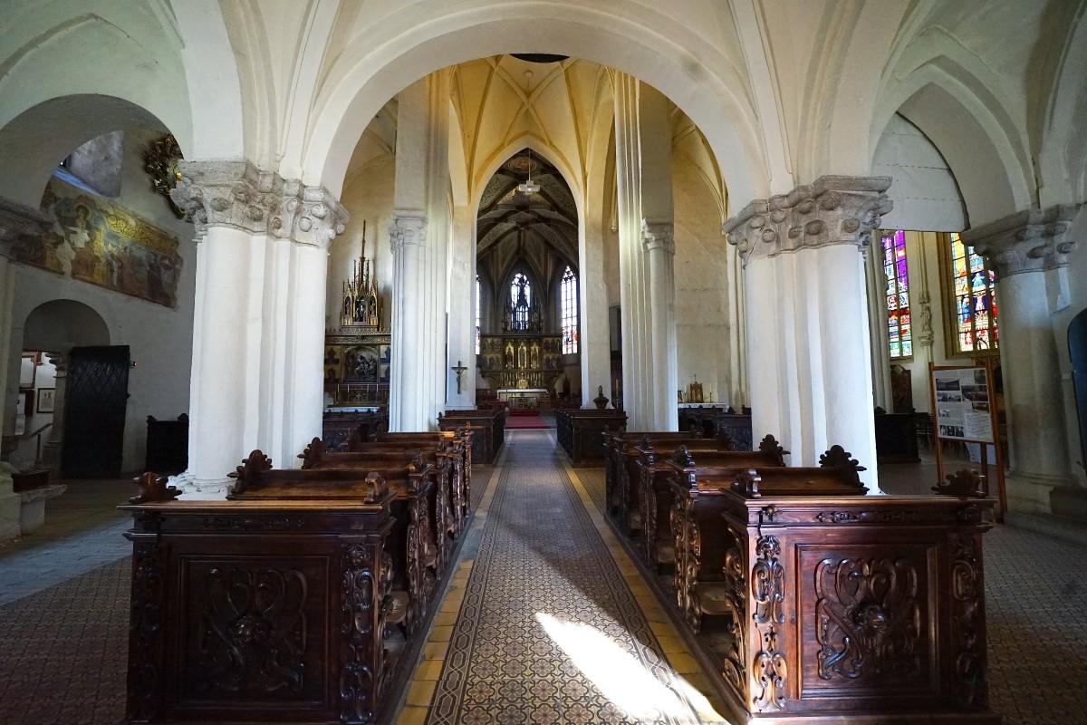 Zdjęcia: Spiska Kapituła, Spisz, Nawa główna w katedrze św. Marcina, SłOWACJA