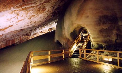 Zdjęcie SłOWACJA / Słowacki Raj / Dobsynska Jaskinia Lodowa / Jaskinia pełna lodu