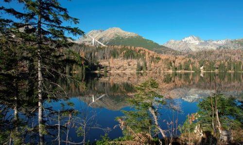 SłOWACJA / Podnóże Tatr Wysokich na Słowacji / Strbske Pleso  / Jezioro jak lustro