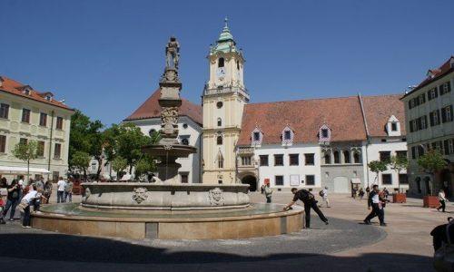 Zdjęcie SłOWACJA / Europa Środkowa / Bratysława / Plac ratuszowy