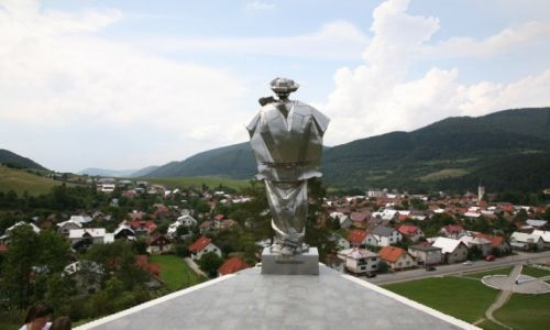 SłOWACJA / Żilina / Terchova / Pomnik Juraja Jánošíka nad miasteczkiem Terchova