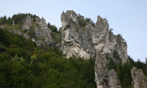SłOWACJA / Żilina / Mała Fatra (Malá Fatra)  / Skałki w drodze do Terchovej