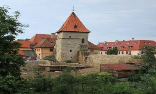 Zdjęcie SłOWACJA / Szarysz / Bardejov / Odrestaurowywane mury miejskie