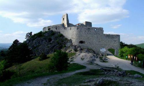 S�OWACJA / Kraj Trenczy�ski / Cachtice / Z wizyt� u El�biety Batory.