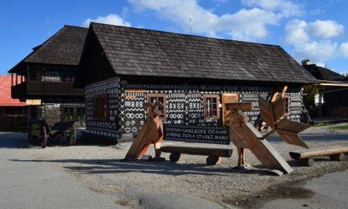 Zdjęcie SłOWACJA / Dol. Rajecka / Cziczmany / malowana wieś