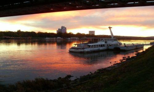 S�OWACJA / Bratys�awa / nad Dunajem... / mi�e zako�czenie dnia...