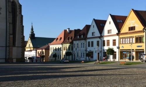 SłOWACJA / Szarysz / Bardejów / Kamieniczki na rynku