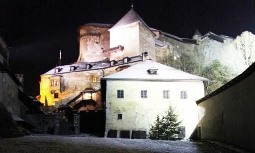 Zdjęcie SłOWACJA / Orawa / Orawski Podzamok / Nocą na zamku