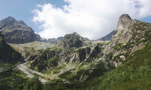 Zdjęcie SłOWACJA / Dolina Zielona Kieżmarska / Zielony Staw Kieżmarski / (z lewej)Mały Kieżmarski Szczyt, (z prawej)Jastrzębia Turnia