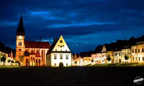 Zdjecie SłOWACJA / Bardejov / Rynek / Bardejovwski rynek nocą