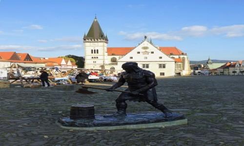 Zdjecie SłOWACJA / Szarysz / Bardejów / Pomnik kata