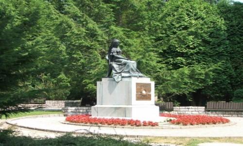 Zdjecie SłOWACJA / kraj preszowski ,powiat Bardejów / Bardejów-Zdrój / Pomnik Sissi