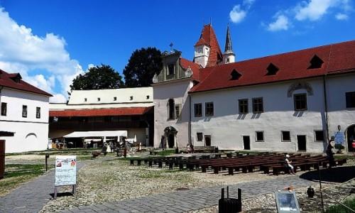 Zdjęcie SłOWACJA / Spisz / Kieżmark / Zamek Kieżmarski - dziedziniec