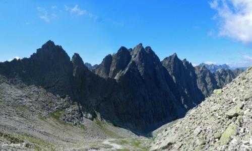 SłOWACJA / Wysokie Tatry. / Lodowa Przełęcz. / Widok z Lodowej Przełęczy 2372 m.
