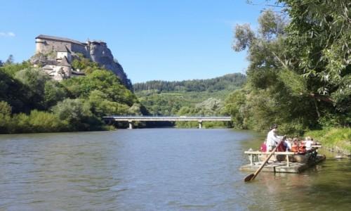 Zdjecie SłOWACJA / Orawa / . / Widok znad rzeki Wag na Orawski Zamek