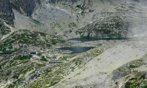 Zdjecie SłOWACJA / Wysokie Tatry. / Wielka Łomnicka Baszta 2215 m. / Dolina Pięciu Stawów Spiskich z Wielkiej Łomnickiej Baszty.