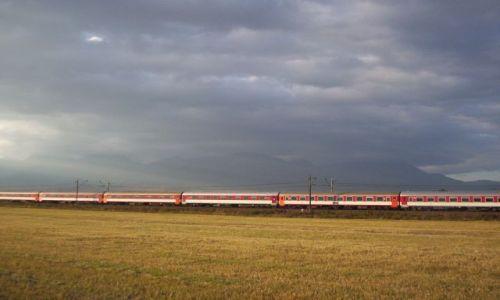 Zdjecie SłOWACJA / Góry Lewockie / trasa 77 na Słowacji / pociąg