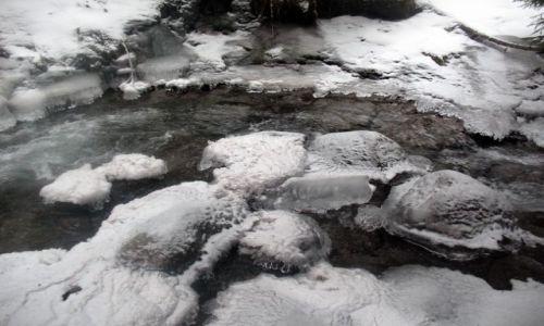 SłOWACJA / Liptov / Litptovsky Mikulas / Lodowa rzeka