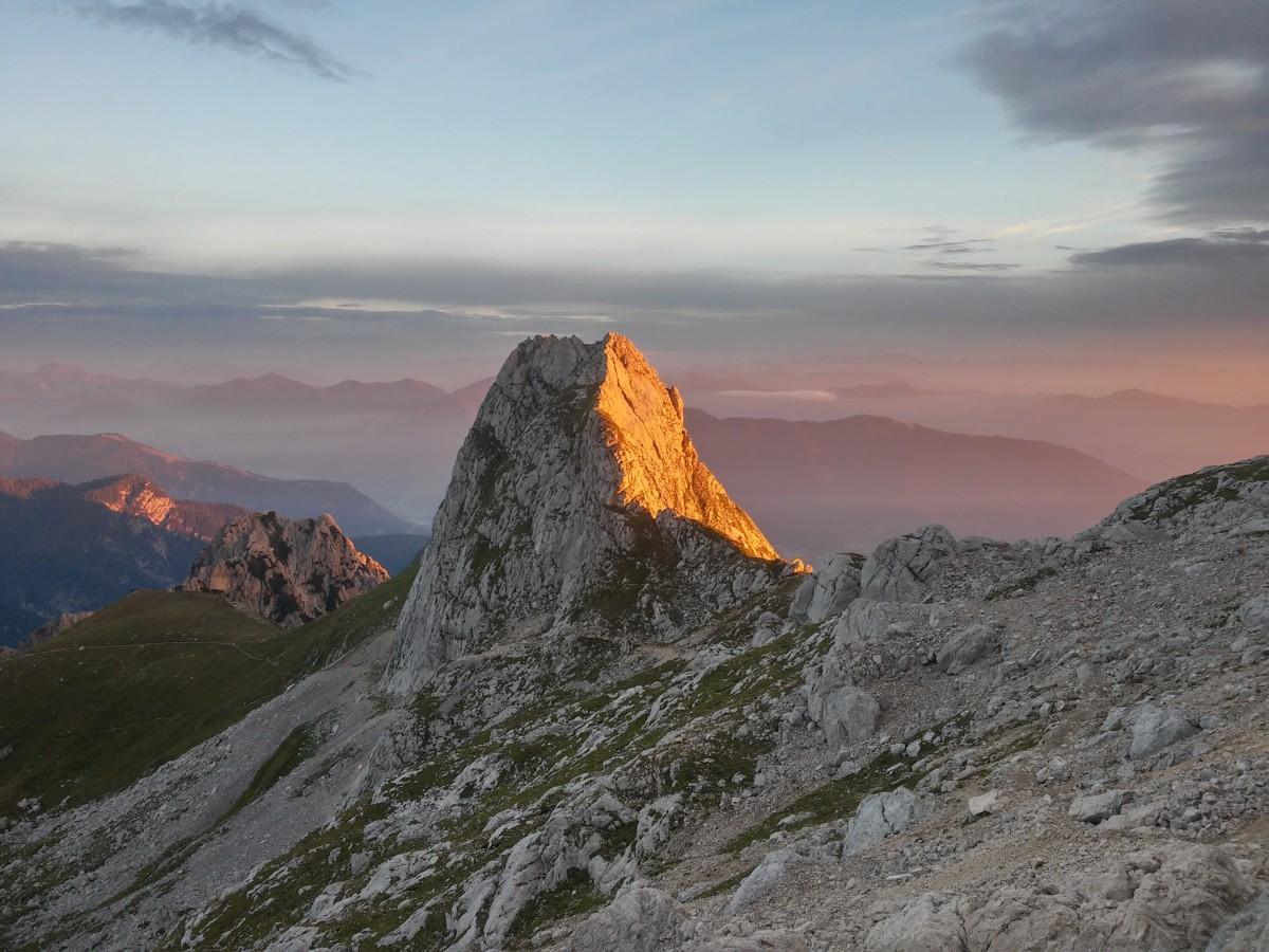 Zdjęcia: okolice Mangart, alpy julijskie, wschód słońca pod Mangart..., SłOWENIA