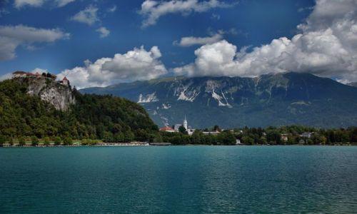 Zdjecie SłOWENIA / - / BLED / Chmury nad góra