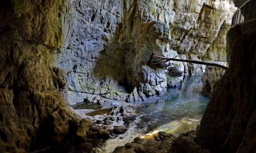 Zdjecie SłOWENIA / Divaca / skocjanske jame / Mostek w Jaskini Szkocjańskiej