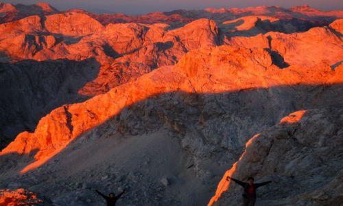 Zdjecie SłOWENIA / alpy julijskie / w drodze na TRIGLAV / wschód słońca