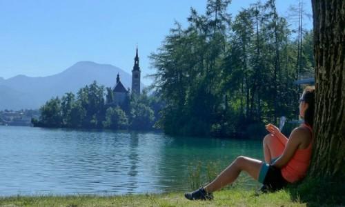 SłOWENIA / - / Jezioro Bled / Rowerem przez Europę. 16 dni, 5 krajów, 1500 km. Śniadanie nad jeziorem Bled