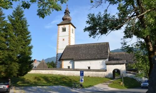 Zdjęcie SłOWENIA / Alpy Julijskie / Ribcev Laz / kościół św. Ducha