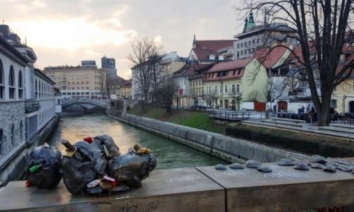 Zdjecie SłOWENIA / Ljubljana / Mesarski most / Bulwary nad Ljubljanicą