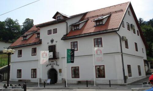 Zdjęcie SłOWENIA / Gorycja / Idrija / Wejście do szybu Antoniego