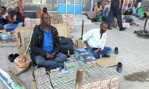 Zdjęcie SOMALILAND / Hergeisa / targ / Somaliland - wymiana walut.