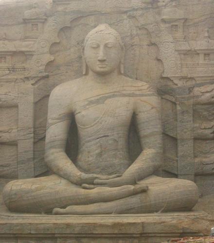 Zdjęcia: Polonnaruwa, Polonnaruwa, Posąg_Buddy_medytującego_w_Polonnaruwie, SRI LANKA