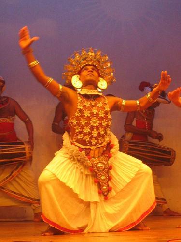 Zdjęcia: Kandy, Kandy, Tancerze_z_Kandy, SRI LANKA
