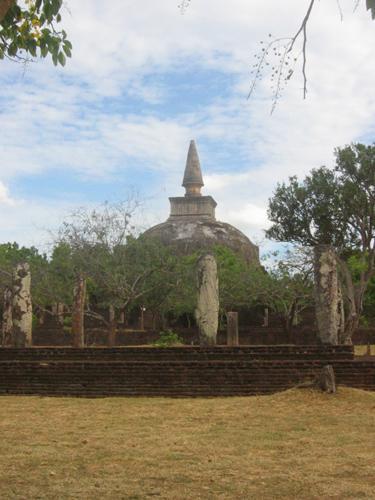 Zdjęcia: Polonnaruwa, Polonnaruwa, Stupa_w_Polonnaruwie, SRI LANKA