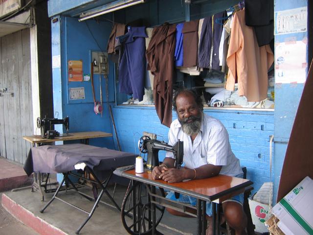 Zdjęcia: Kolombo, Kolombo, Uliczny_krawiec, SRI LANKA