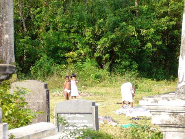 Zdjęcia:   ,   , Cmentarz, SRI LANKA