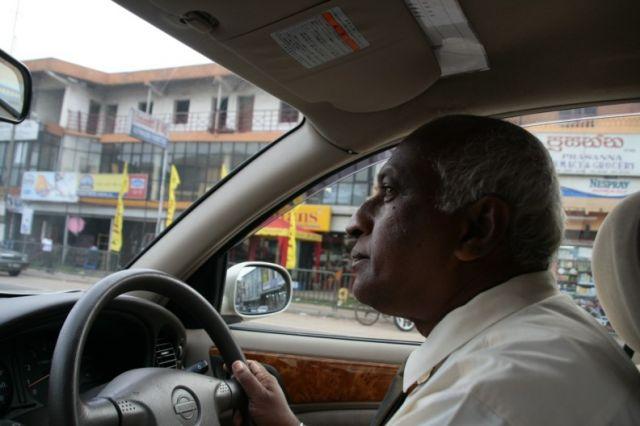 Zdjęcia: Colombo, Kierowca taksowki, SRI LANKA