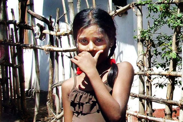 Zdjęcia: mała Lankijka, SRI LANKA