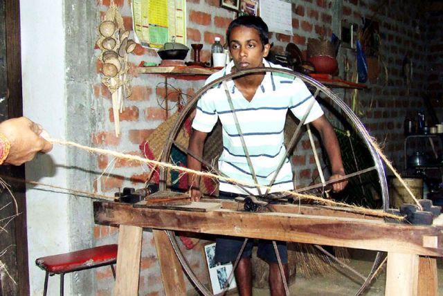 Zdjęcia: produkcka lin kokosowych, SRI LANKA
