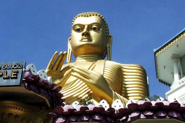 Zdjęcia: złoty Budda, SRI LANKA