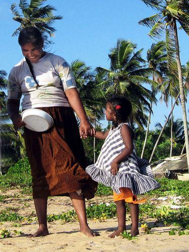 Zdjęcia: Colombo, mama z córeczką, SRI LANKA