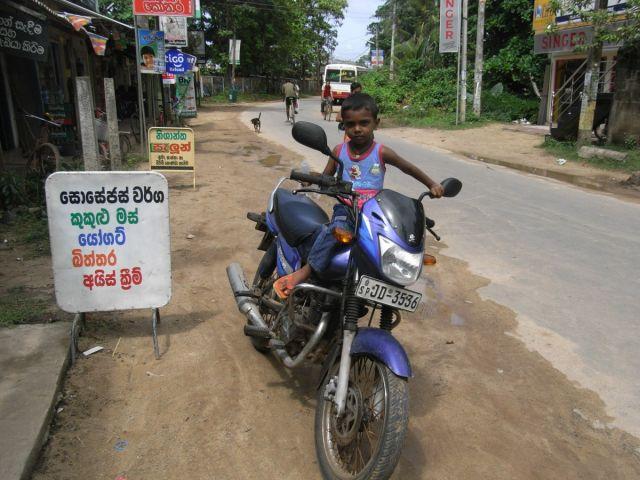 Zdjęcia: Habaraduwa, Poludnie, Jestem taaki duzy!, SRI LANKA
