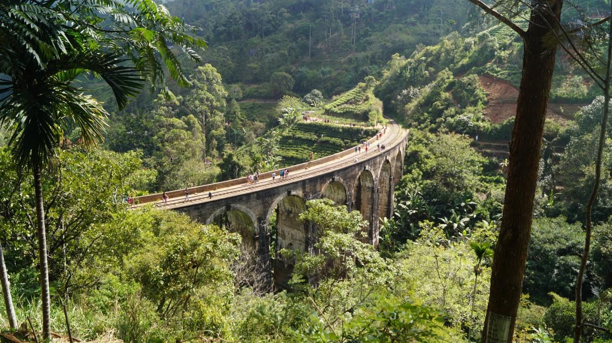 Zdjęcia: Demodara, Demodara, Wiadukt w górach, SRI LANKA