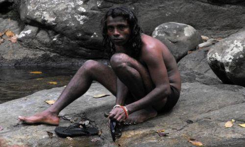 Zdjecie SRI LANKA / Beantota / przy wodospadach / Konkurs-chłopak z dżungli