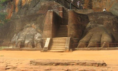 SRI LANKA / Sigiriya / Sigiriya / Lwie_pazury-Sigiriya