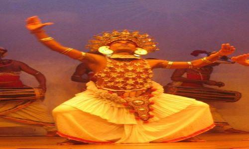 Zdjecie SRI LANKA / Kandy / Kandy / Tancerze_z_Kandy